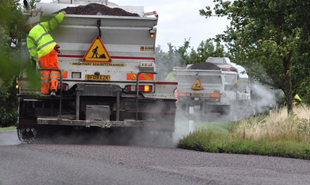 surface dressing road